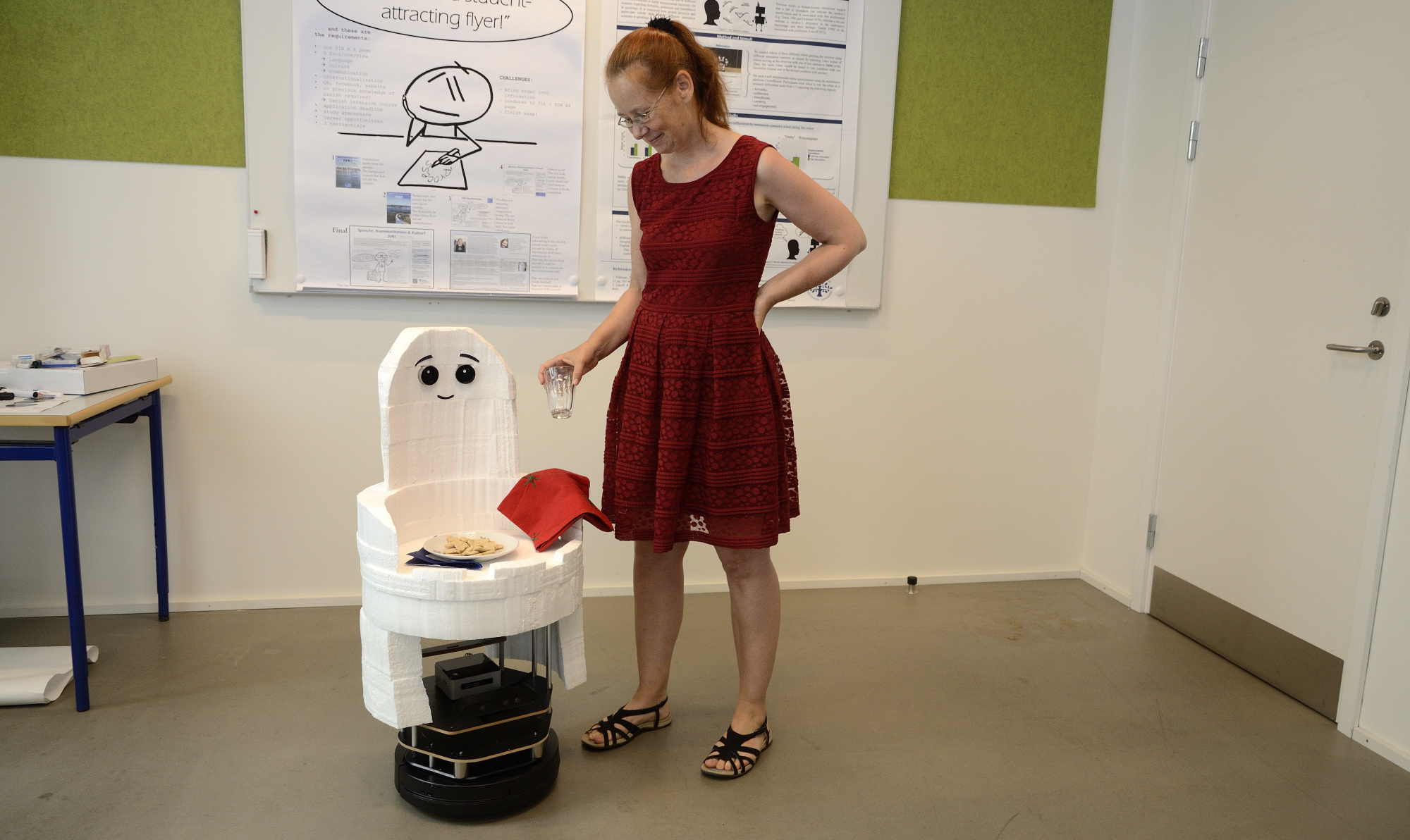Kerstin Fischer presenting the Casper Turtlebot