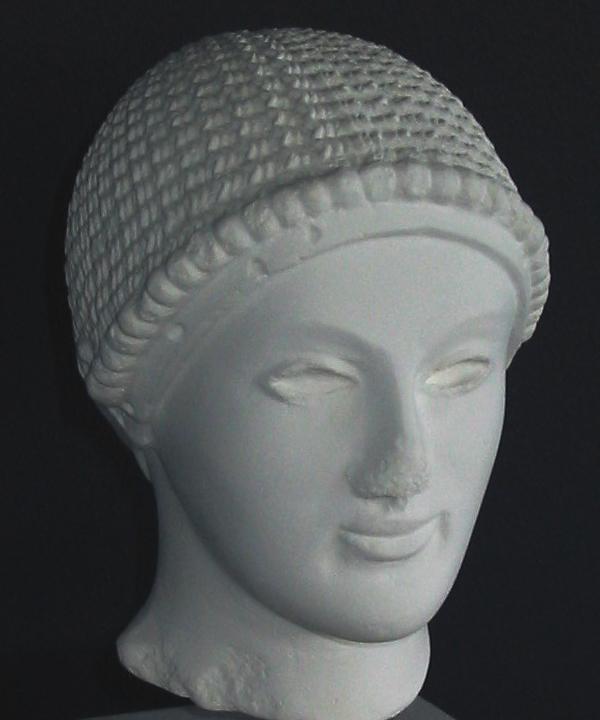 Lille hovede af ung mand (kouros). Græsk, kort før 500 f.Kr.