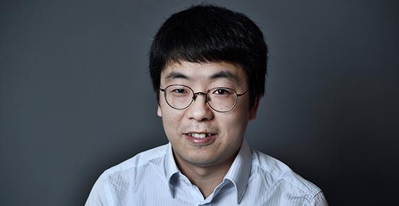 Professor Gang Liu fra Institut for Kemi-, Bio- og Miljøteknologi