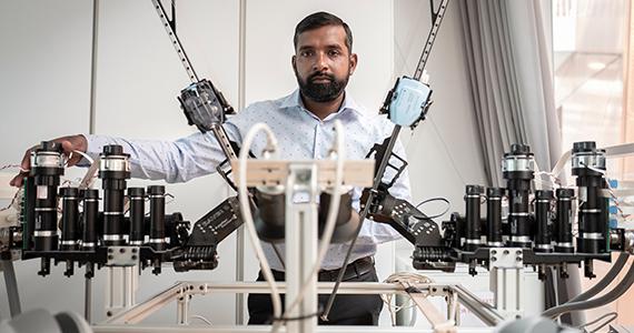 Billede af robotforsker Thiusius Rajeeth Savarimuthu
