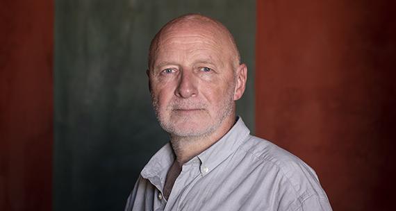 Billedet er et portrætfoto af Morten Sodermann.